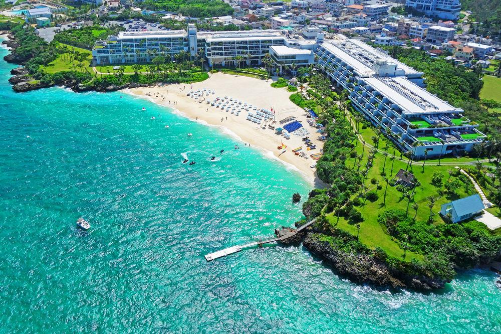 ムーンビーチ目の前!美しい自然と三日月形のビーチに囲まれたリゾートホテル【ホテルムーンビーチ】