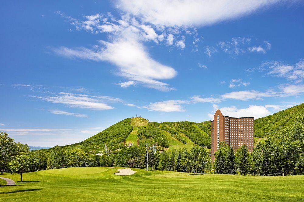 ルスツの大自然を一望できる温泉大浴場やゴルフ場を完備したリゾートホテル☆【ウェスティンルスツリゾート】