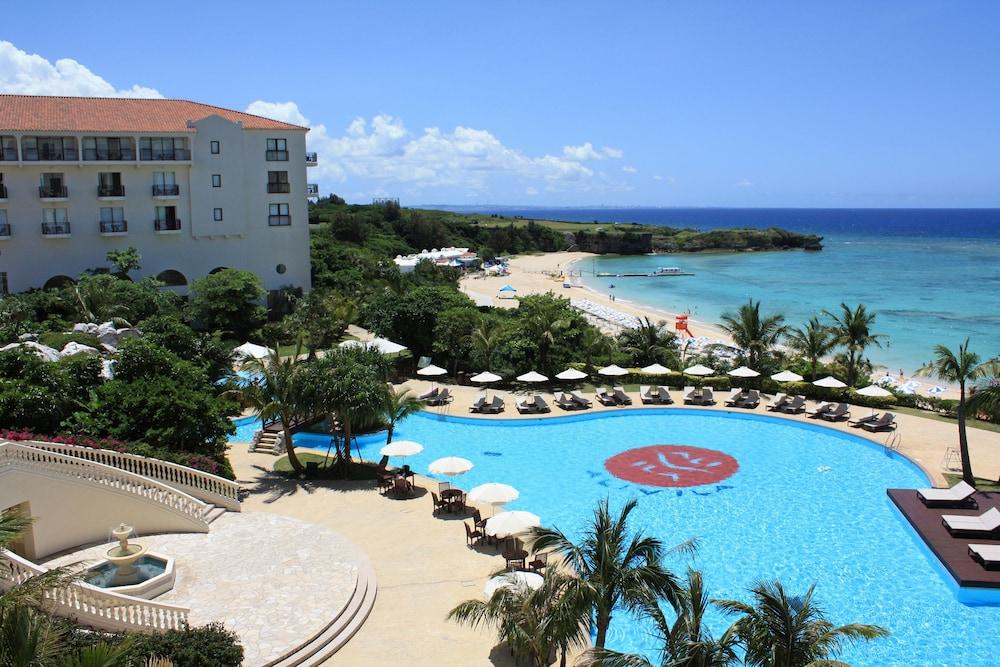 おトクなプランが続々と新登場!美しいニライビーチに面した全室オーシャンビューの南欧風リゾートホテル☆【ホテル日航アリビラ】